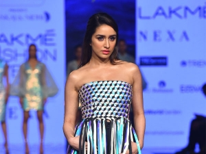 Shraddha Kapoor Turns Showstopper For Pankaj Nidhi At Lakme Fashion Week Summer Resort