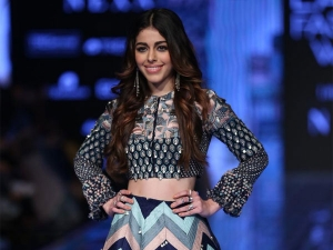Alaya F Debut Showstopper Moment At The Lakme Fashion Week Summer Resort