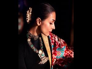 Malaika Arora S Patola Sari For The Dadasaheb Phalke International Film Festival
