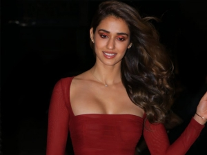 Disha Patani In A Crimson Red Dress And Exotic Makeup At Malang Success Bash