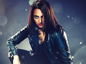 Sonakshi Sinha S Fierce Look In Black Attire For State Imposed Curfew Violators