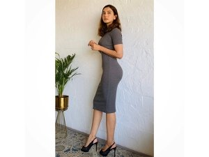 Gauahar Khan's Grey Bodycon Dress Is The Simple Office Wear That We Need