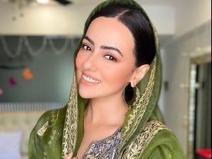 Wajah Tum Ho Actress Sana Khan In A Grey Ensemble And Green Dupatta