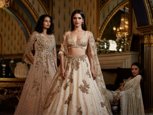 Dolly J S Digital Show At The Fdci India Couture Week