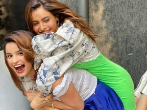 Aamna Sharif And Chetna Pande Gives Bff Goals In Their Co Ordinated Outfits