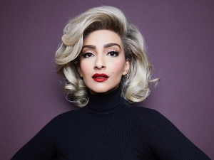 Sonam Kapoor Recreates Marilyn Monroe S Look On Halloween