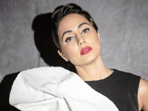 Hacked Actress Hina Khan Flaunts Black And White Eyeliners At Gold Awards