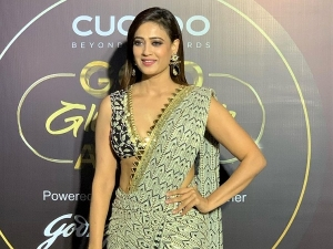 Shweta Tiwari In A Pre Draped Printed Saree At Gold Awards