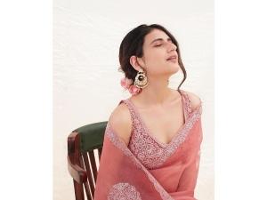 Ludo Actress Fatima Sana Shaikh S Saree Look On Instagram