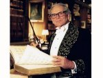 All About Fashion Designer Pierre Cardin And His Outfits And Collections