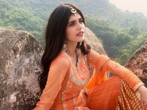 Sanjana Sanghi S Orange Ensemble On Instagram From Mehendi Wale Haath Song