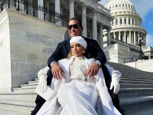 Jennifer Lopez In Head To Toe White Ensemble At President S Inauguration Ceremony