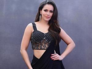 Waluscha De Sousa In A Black Saree For Indian Pro Music League