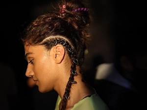 Taapsee Pannu Flaunts Crazy Hairstyle In The Still Picture Of Looop Lapeta