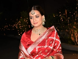 Dia Mirza S Dewy Bridal Makeup Look From Her Wedding Day