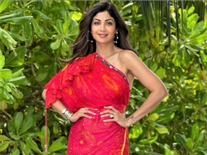 Shilpa Shetty Kundra Flaunts Pink Saree Dress At Her Maldives Vacation
