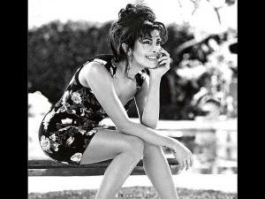 Priyanka Chopra Jonas Latest Photoshoot For The Elle Uk Magazine