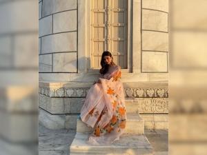 Mouni Roy S Floral Saree Look At Taj Mahal