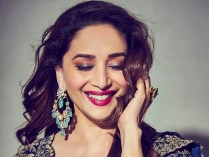Madhuri Dixit's Glamorous Pictures In Shimmering Eye Shadow And Dark Pink Lipstick Leaves Us Speechless
