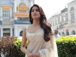 Roohi Actress Janhvi Kapoor In A Yellow Saree In Delhi For Panghat Song Launch