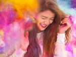 Tips To Protect Your Hair And Skin From Holi Colours