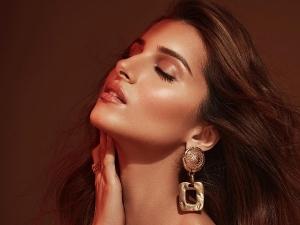 Tadap Actress Tara Sutaria Flaunts Her Glowing Skin And Bronzed Shimmer Makeup Look