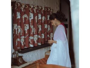 Taapsee Pannu S Vintage Saree Look On Instagram