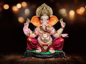 Om Gan Ganpatye Namo Namahganesh Mantra Lyrics In Hindi English