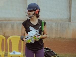 Taapsee Pannu Treats Us With Her Cricketer Look As She Kickstarts Shabaash Mithu S Shoot