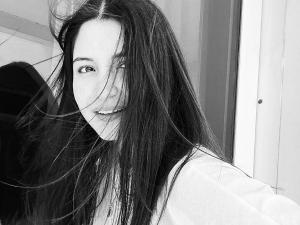 On Anushka Sharma S Birthday 6 Best Hair Moments From Her Instagram