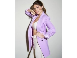 Hello Charlie Promotions: Elnaaz Norouzi Gives Her Casual Separates A Semi-Formal Spin With A Blazer