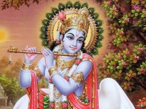 Aarti Kunj Bihari Ki: Lyrics Of Lord Krishna's Aarti In Hindi And English
