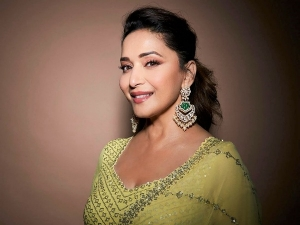 On Madhuri Dixit S Birthday Her Ethnic Outfits For Wedding Fashion Goals