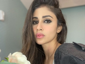 Mouni Roy Shows How To Pull Off The Smudged Eye Makeup Look Without Looking Messy