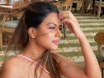 Nia Sharma S Look In Sleek Pink Eyeliner On Instagram