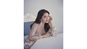Madhuri Dixit Nene S Lehenga And Pearl Jewellery On Her Instagram