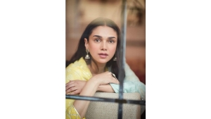 Aditi Rao Hydari Exudes Festive Goals With Her Yellow And Blue Traditional Outfit
