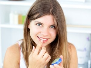 Beauty Uses Of Petroleum Jelly