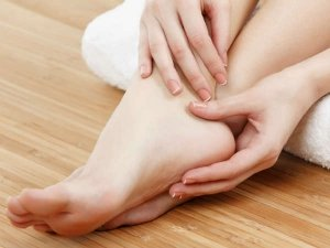 Quick Ways To Cure Cracked Heels