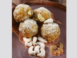 Ramzan Special: Dates And Nuts Ladoo