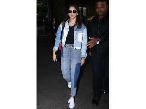 Anushka Goes Perfect In Her Travel Look