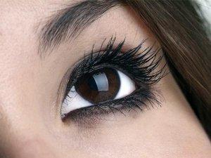 Tips To Maintain Your False Eyelashes