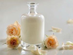 How To Make Honey Lemon Body Lotion At Home For Soft Skin
