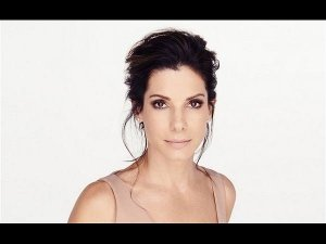 'Penis Facials' Is What That Keeps Sandra Bullock Look Younger
