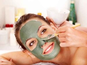 Fuller's Earth And Milk Cream Mask To Get Rid Of Forehead Wrinkles