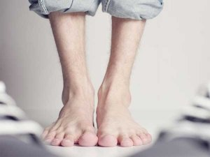 Effective Baking Soda Remedies For Athlete's Feet