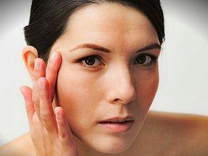 Dry Skin? Try This Amazing Hibiscus Moisturiser