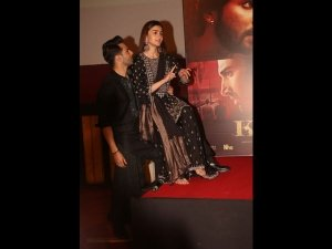 Alia Bhatt & Varun Dhawan Made A Grand Entry In Black Outfits At Kalank Song Launch Event