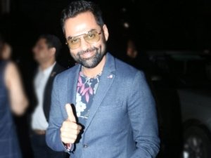 Abhay Deol Gives Fashion Goals With A Pant Suit And Yellow Reflectors
