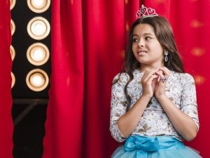 8 Ways To Help Your Children Overcome Their Stage Fright